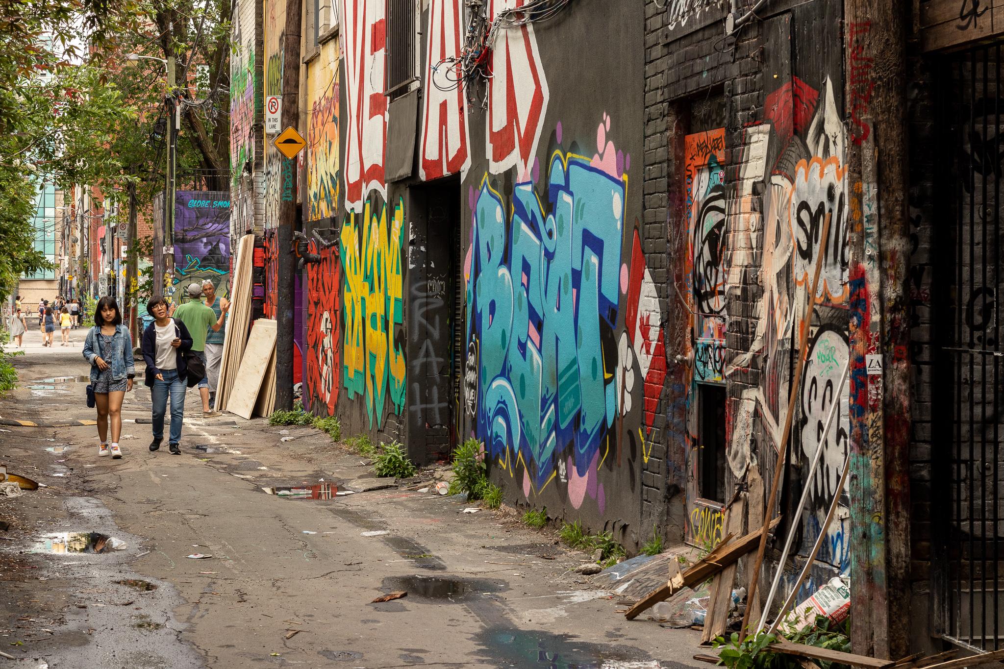 Die Graffiti Alley - hier ist die Streetart legal und zieht viele Touristen an.