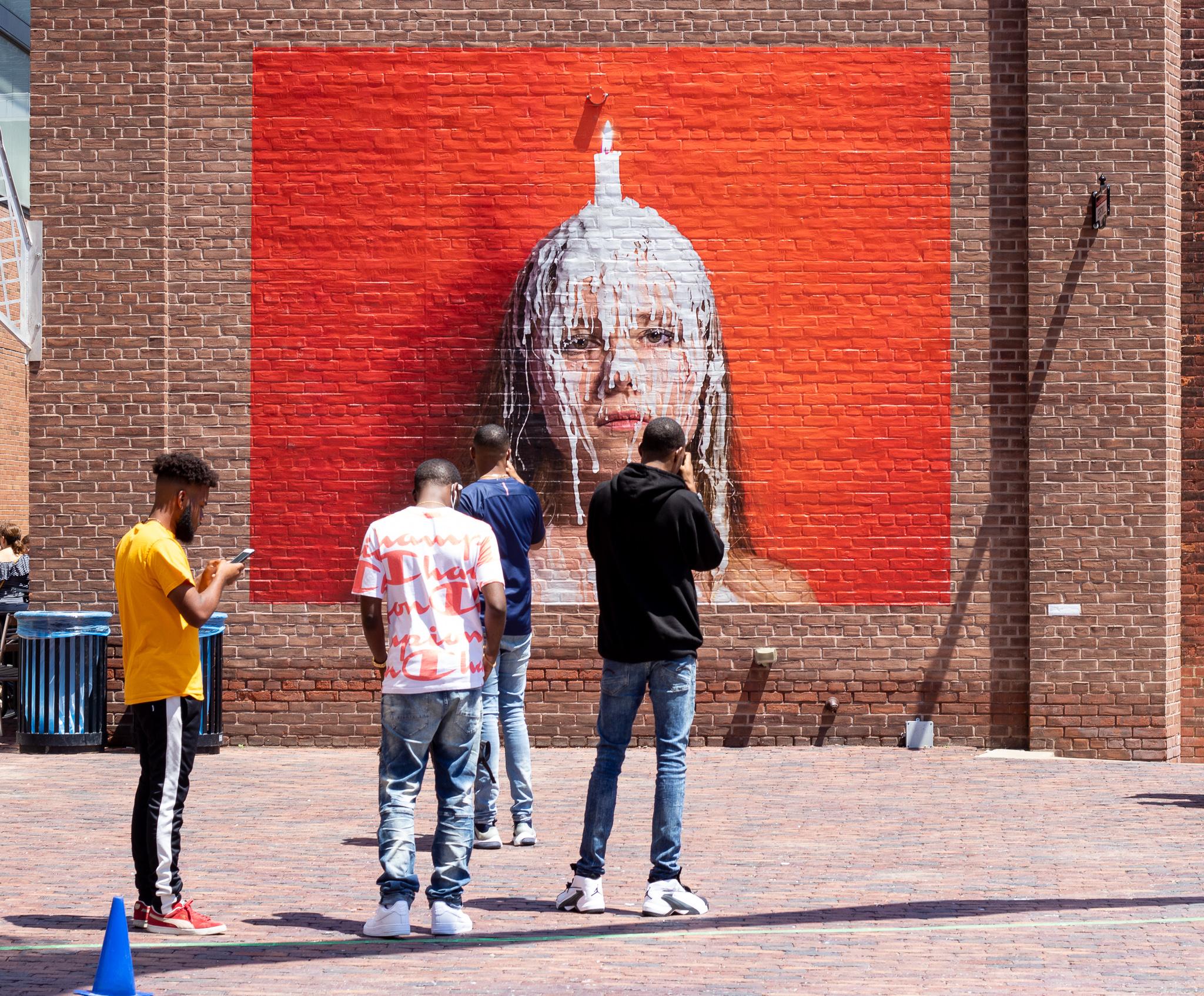Straßenkunst gibt es auch im Distillery District.