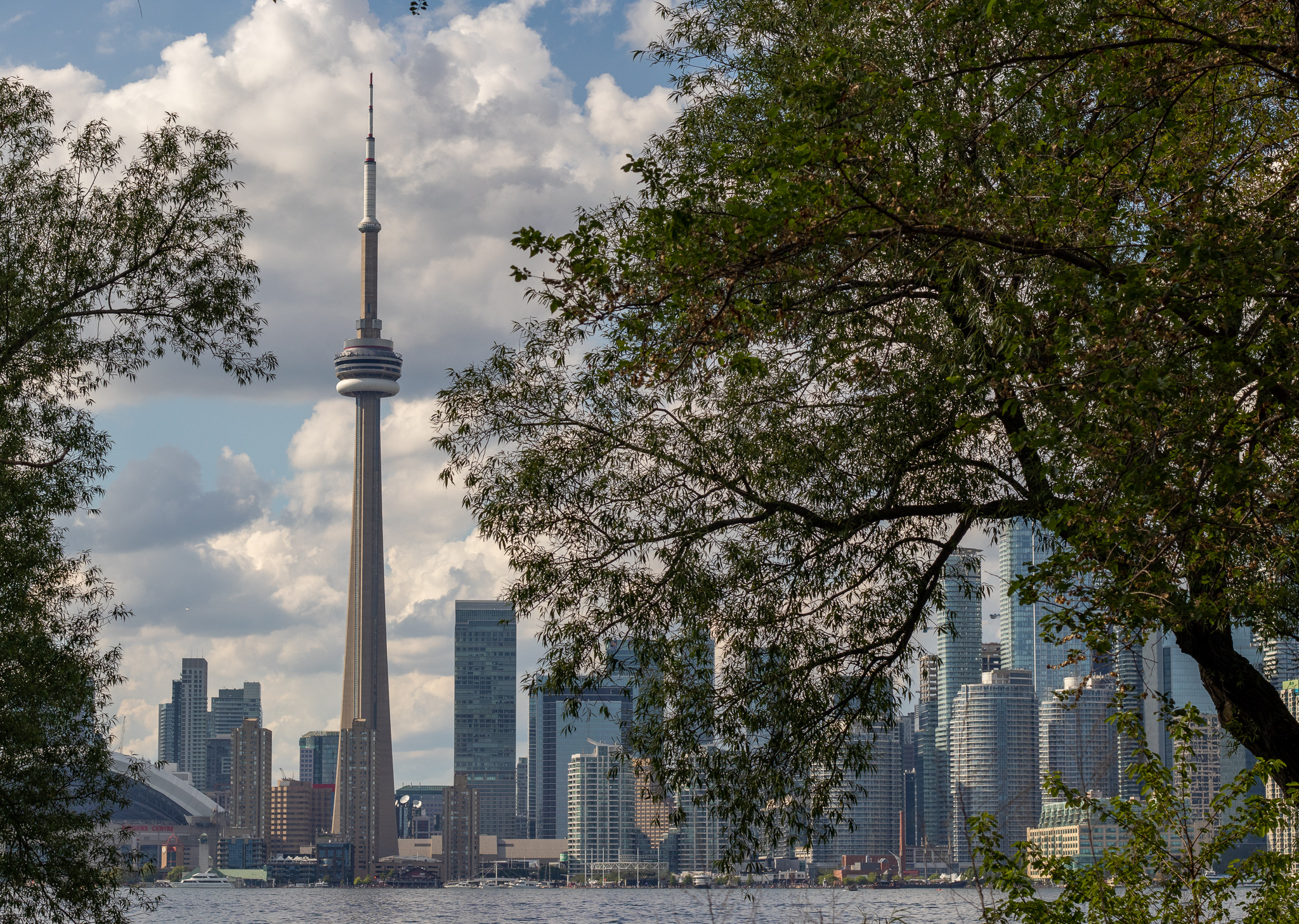 From the Toronto Islands, visitors have a wonderful view of the metropolis.