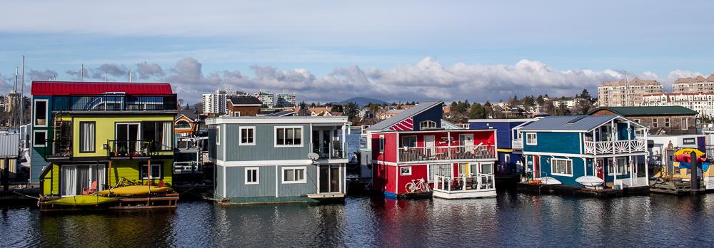 Sehen sehr gemütlich aus, die bunten Hausboote in Fisherman's Wharf.