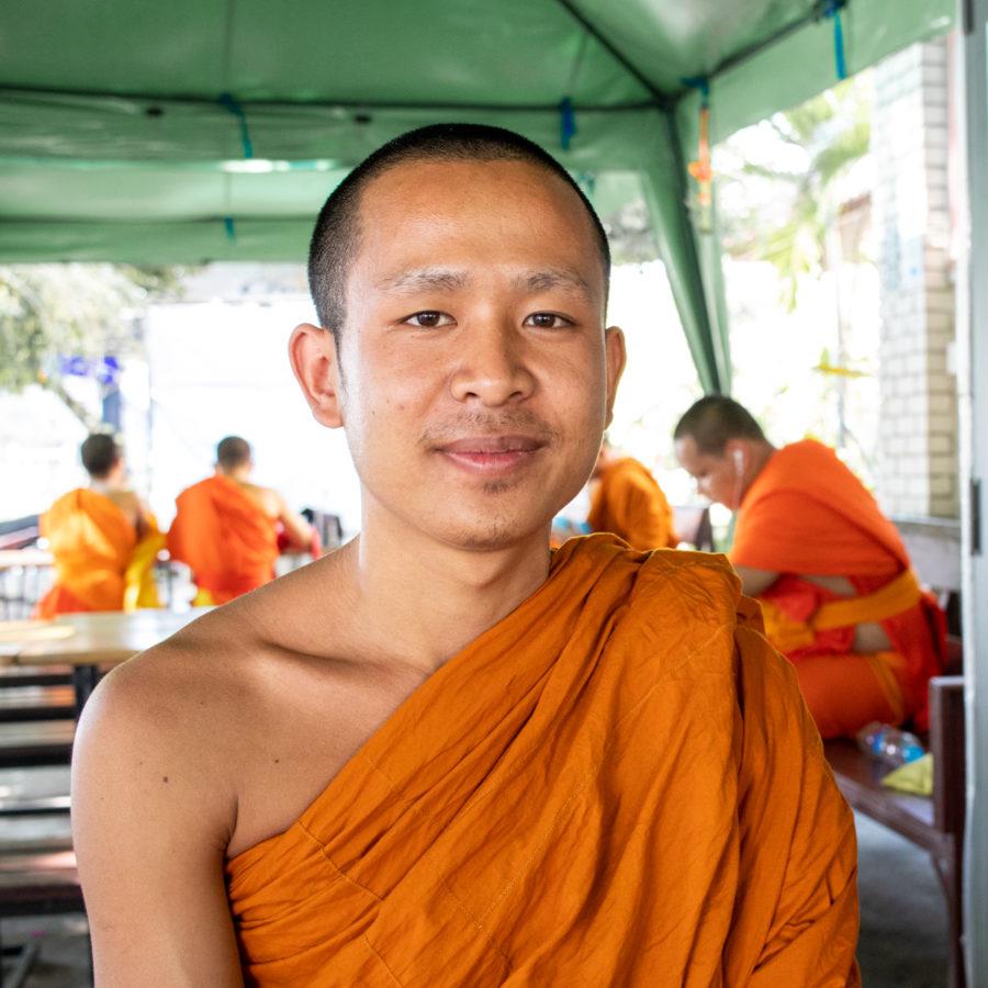 Palinya ist Novize in Wat Chedi Luang, Chiang Mai.