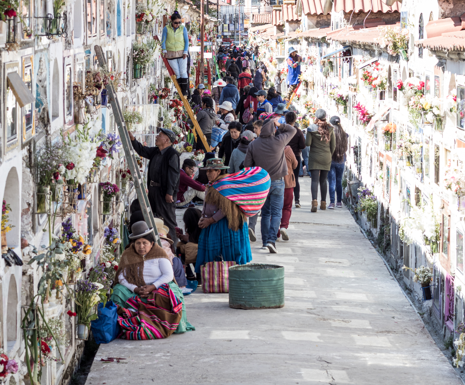 The large cemetery in La Paz in November 2019. Due to a curfew, it must have been empty for weeks.