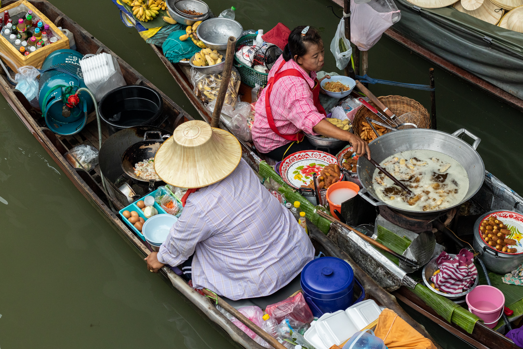 In February 2020 there was still a lot of hustle and bustle on the Floating Market southwest of Bangkok. It's hard to imagine this place empty.