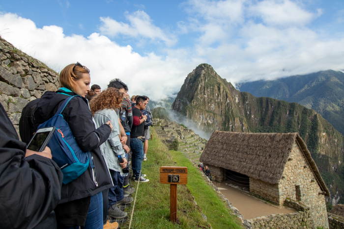 Machu Picchu: waiting in the photo line.