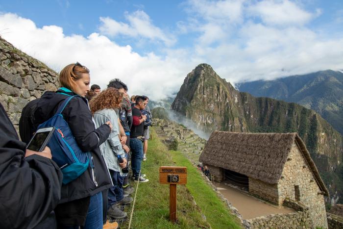 Machu Picchu: Warten in der Fotoschlange.